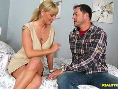 Кейт и Лука - это женская эротика